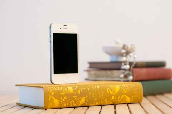 Booksi-Dock-for-iPhone.jpg